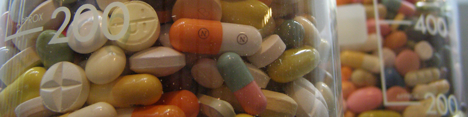 Erich Ferdinand (2006). Pills (white rabbit). Downloaded from Flickr on 01/10/2013 with the following Creative Commons license 'Attribution' : http://goo.gl/QsFehv
