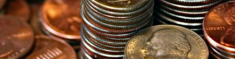 Darrren Hester (2011). Coin stacks. Downloaded from Fotopedia on 01/10/2013 with the following Creative Commons license 'Attribution-Non commercial use' : http://goo.gl/qm7M3G