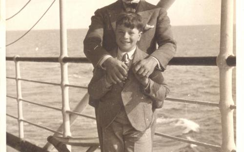 Τρικόγλου & γιος στο πλοίο